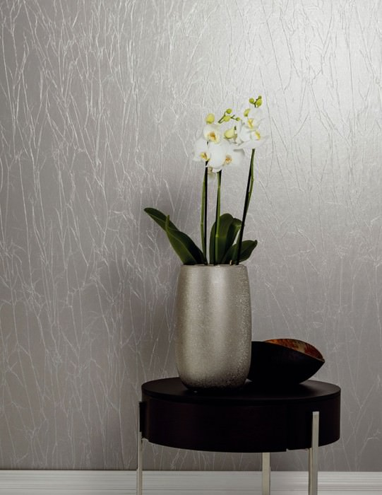 Wallpaper Crush Avantgarde 03 Shimmering Wrinkles Light grey Silver grey
