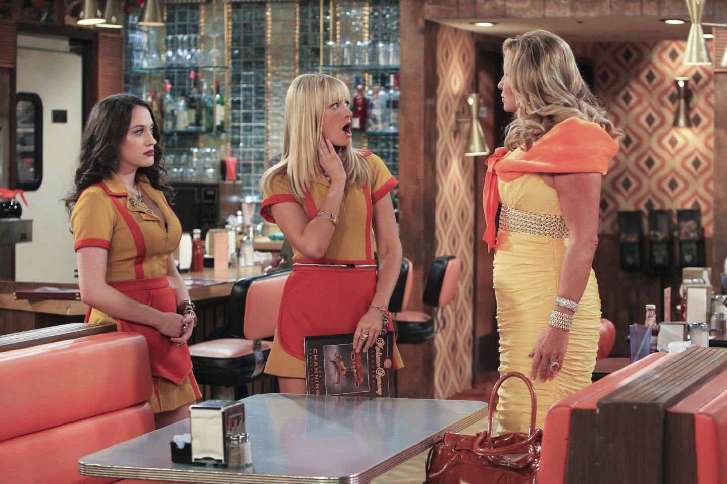 2-Broke-Girls4