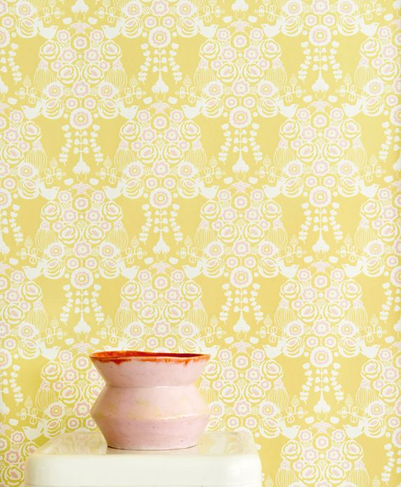 Archiv Wallpaper Estelle pale yellow Room View