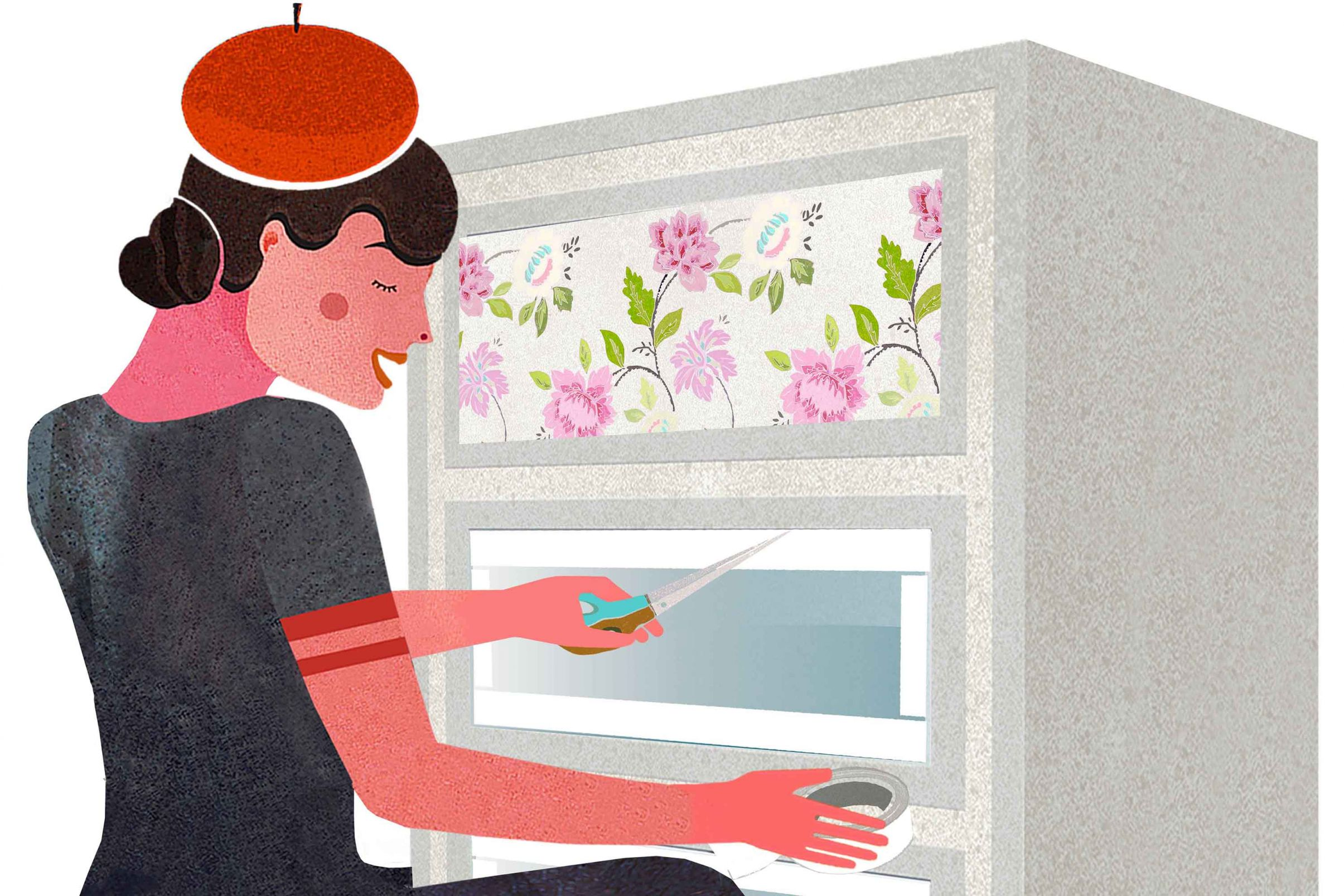 Come-decorare-i-vostri-mobili-con-la-carta-da-parati-Per-superfici-in-vetro-usate-nastro-biadesivo