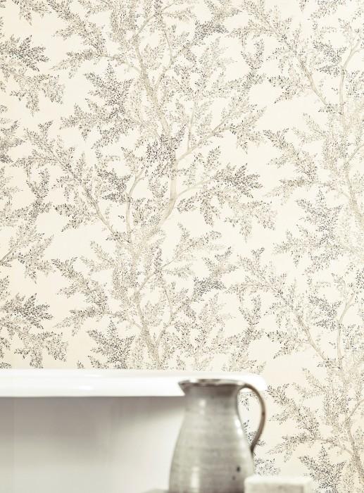 Tapete Nirina Matt Zweige mit Blättern Cremeweiss Grautöne Silber Schimmer