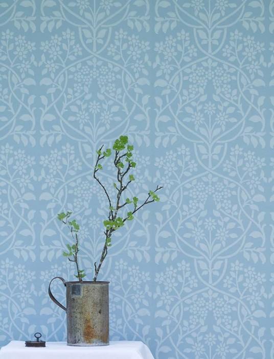 Wallpaper Rosmery Hand printed look Matt Art nouveau damask Light blue White