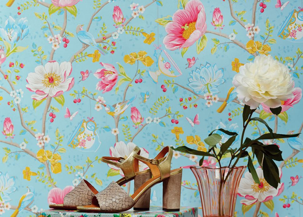 Floral Wallpaper Wallpaper Luna pastel blue Room View