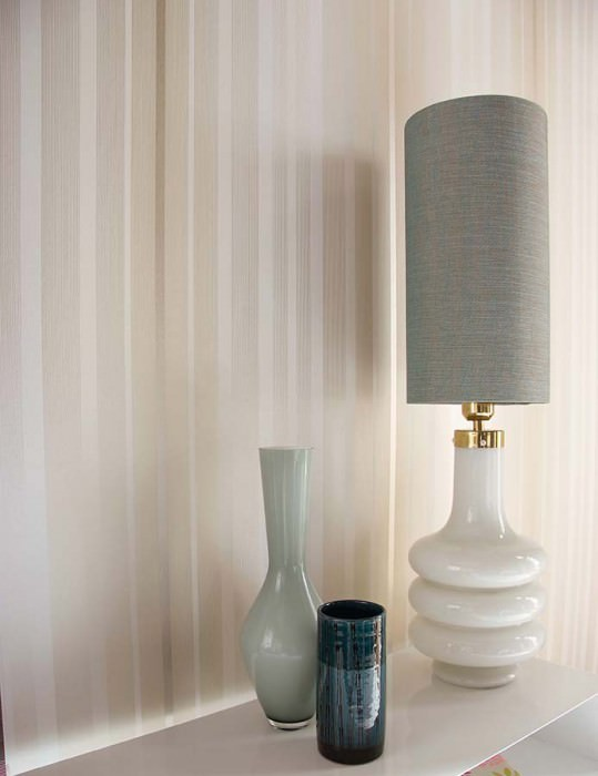 Wallpaper Orthos Matt Stripes Cream Light ivory White gold lustre