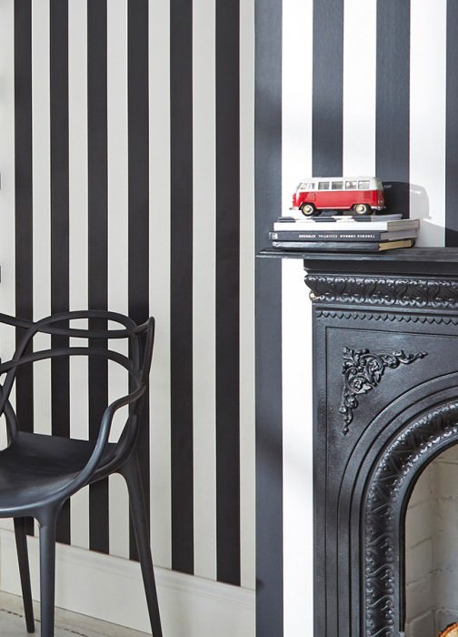 Wallpaper Zuleika Matt Stripes Black White