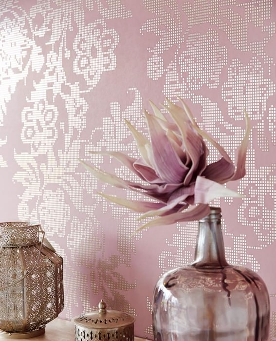 Wallpaper Siduri Shiny pattern Matt base surface Stylised flowers Light pastel violet Brown beige Silver lustre