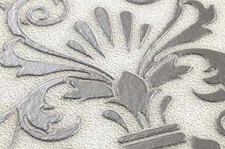 Papier peint Varanasi Motif chatoyant Surface mate Éléments baroques Blanc crème Anthracite Gris argent