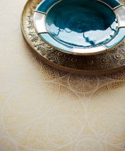Wallpaper Kassandra Shimmering pattern Matt base surface Floral damask Geometrical elements Cream Gold