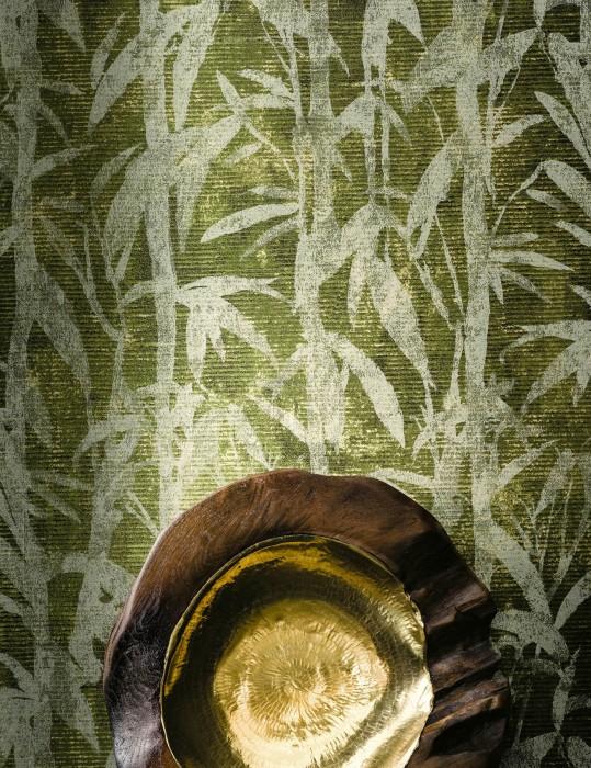 Tapete Kenai Muster schimmernd Untergrund matt Bambusblätter Braun Farngrün Hellgelb Perlbeige