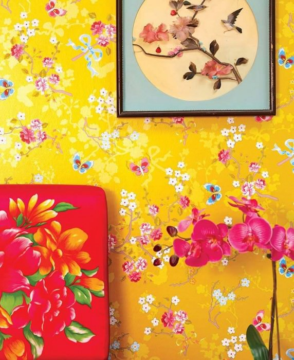 Wallpaper Benina Matt pattern Shimmering base surface Blossoms Butterflies Branches Golden yellow Strawberry red Yellow Yellow green Light blue White