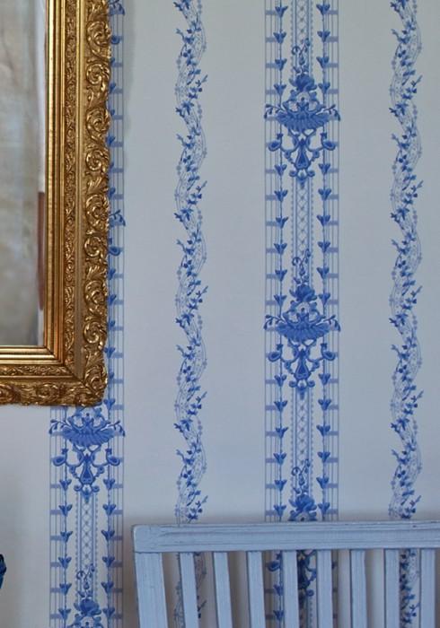 Papel de parede Konstantine Efeito estampado à mão Mate Damasco histórico Gavinhas Branco creme Tons de azul