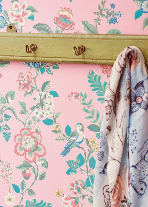 Wallpaper Miri Hand printed look Matt Flower tendrils Birds Light pink Beige Dark blue Pastel green Red Turquoise blue
