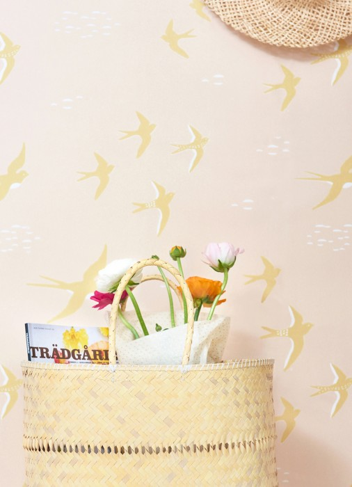 Wallpaper Follow the wind Hand printed look Matt Birds Pale pink Cream Honey yellow