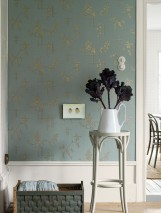Wallpaper Fiselto Shimmering pattern Matt base surface Flower tendrils Graphic elements Light mint turquoise Dark brown shimmer Pearl gold