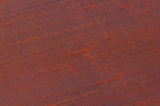 Tapete Natural Silk 05 Rubinrot Detailansicht