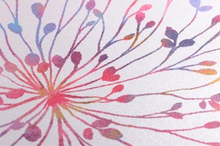 Tapete Sophia Schimmernd Blüten Farnblätter Weiss Blau Grün Ockergelb Rot Violett