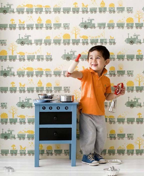 Papel pintado Tiny-Train Mate tren de juguete Blanco crema Verde pálido Amarillo maíz