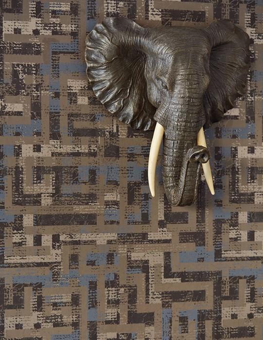 Papier peint Masai Aspect impression à la main Mat Style africain Éléments graphiques Brun noir Brun pâle Brun gris Beige nacré Bleu violet