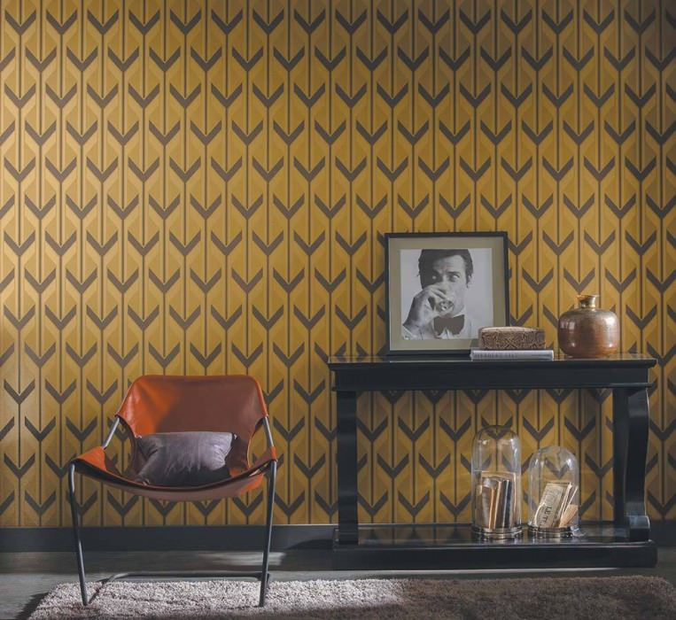 Wallpaper Michabo Shimmering pattern Matt base surface Stylised letter Y Ochre yellow Gold Grey brown