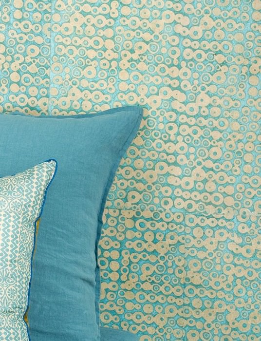 Wallpaper Pelmo Batik Style Hand-printed Matt Shabby chic Circular pattern Beige Light blue