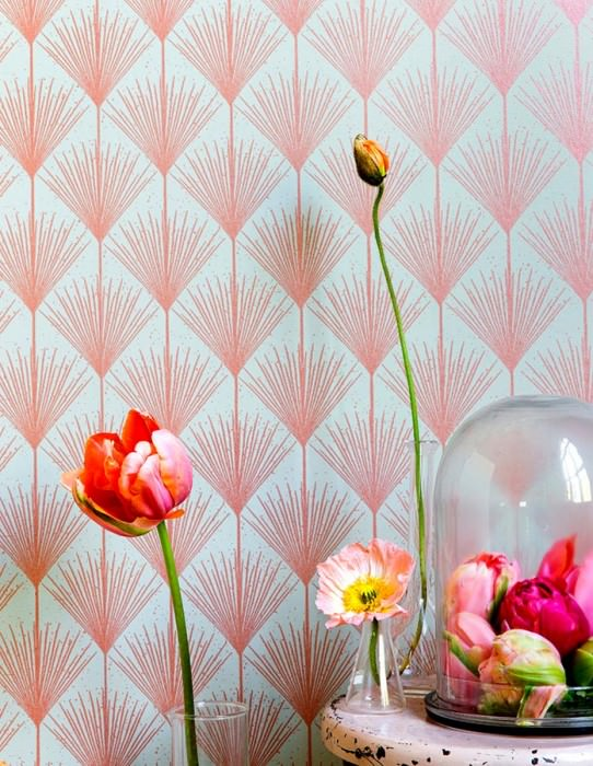 Wallpaper Mayfair Hand printed look Shimmering pattern Matt base surface Art Deco Stylised blossoms Pebble grey Orange shimmer