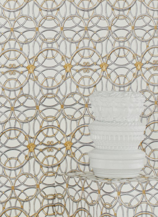 Wallpaper Nara Matt Circular pattern Medusa-Ornament Blüten Ornamente Grey white Pearl gold Pearl light grey White