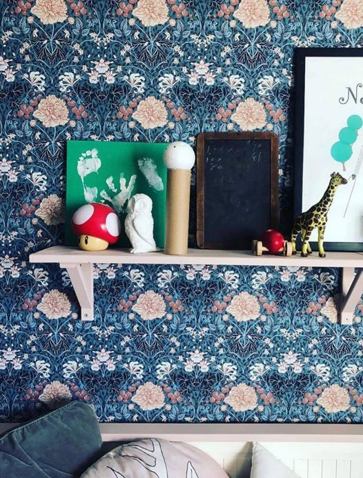 Papel de parede clássico Papel de parede Lovisa azul pombo Ver quarto