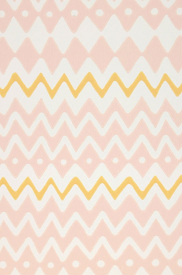 Wallpaper Tomoko Hand printed look Matt Zigzag Cream Maize yellow Pastel rose. A4 Detail
