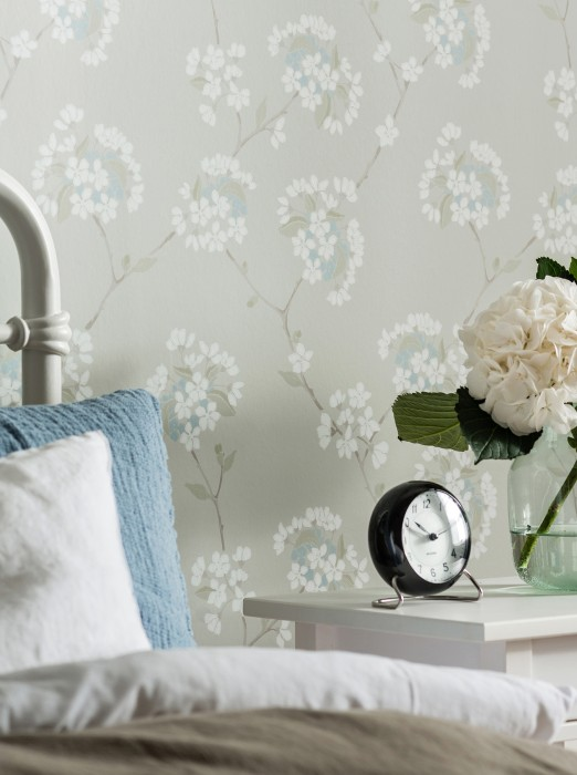 Wallpaper Larina Hand printed look Matt Floral tendrils Silky grey Pale blue Pale brown Olive grey Olive green White
