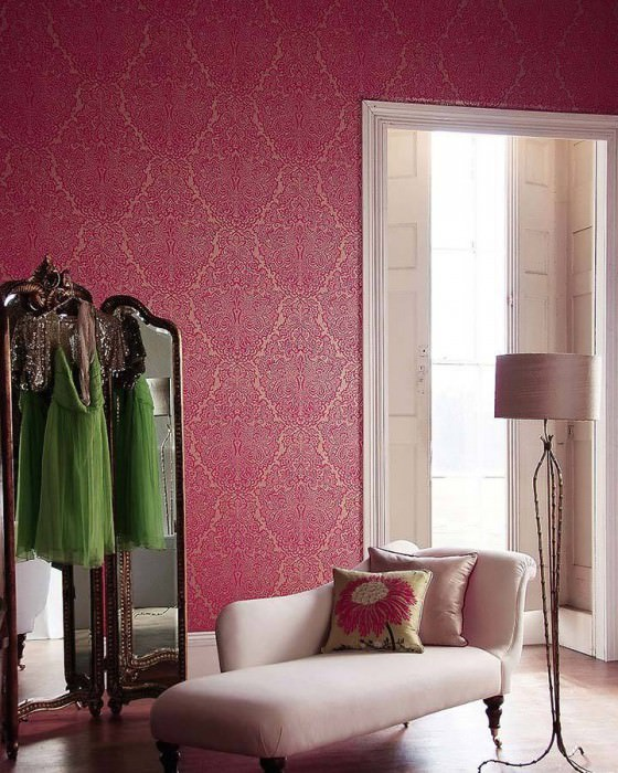 Wallpaper Perun Matt pattern Iridescent base surface Baroque damask Gold Fuchsia