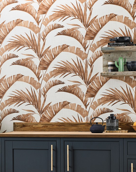 Wallpaper Jumana Shimmering pattern Matt base surface Palm fronds Cream Brown tones
