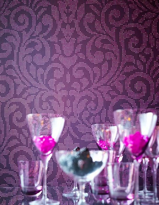 Wallpaper Lynda Shimmering pattern Matt base surface Modern damask Dark violet Light violet