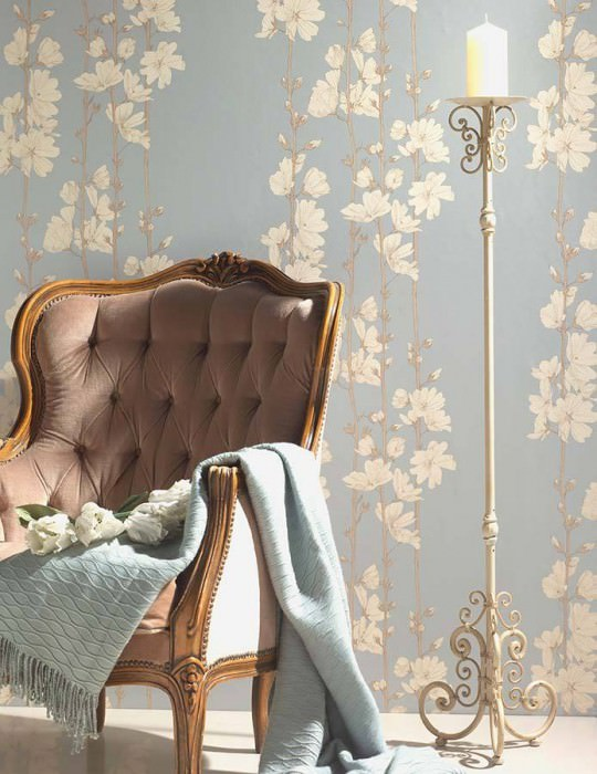 Wallpaper Hera Matt pattern Shimmering base surface Branches with blossoms Light blue Beige brown Cream