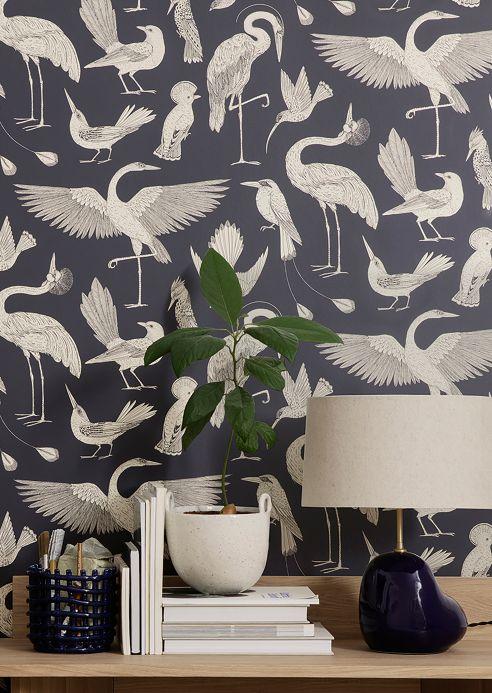 Papier peint de Ferm Living Papier peint Birds of Happiness bleu foncé Vue pièce