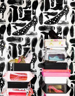 Wallpaper Svärmor black Room View