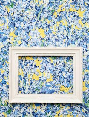 Papier peint VanGogh Irisis bleu brillant Vue pièce