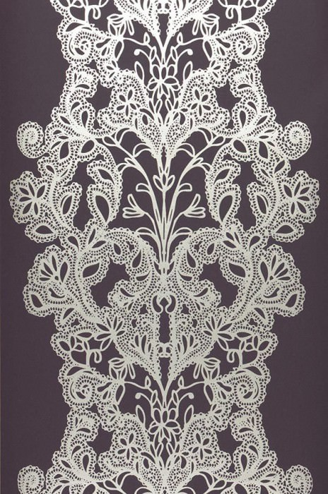 Wallpaper Persephone Shiny pattern Matt base surface Stylised flower embroidery Black violet Silver