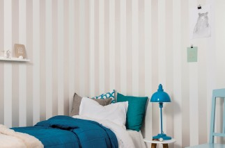 Wallpaper Amaros Hand printed look Matt Stripes Cream shimmer White
