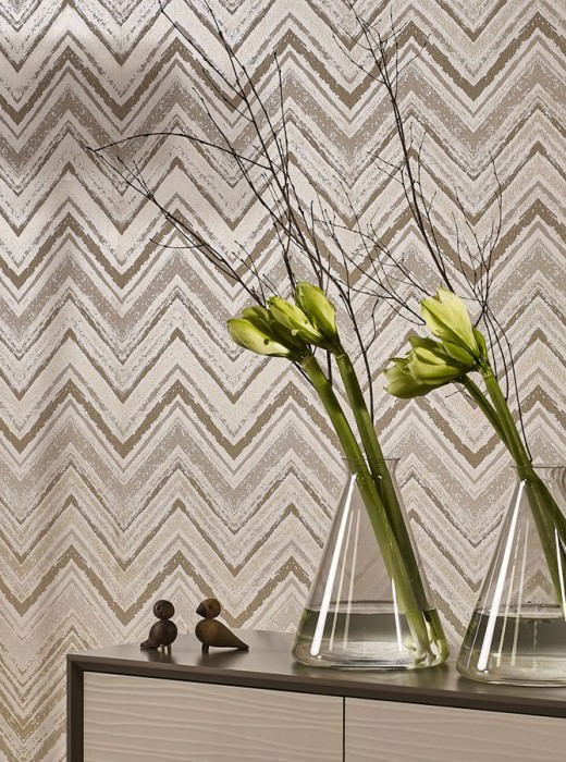 Wallpaper Vittorio Hand printed look Shimmering Zigzag Cream shimmer Light ivory Pearl gold