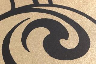Papel pintado Madina Patrón mate Superficie base brillante Elementos gráficos Patrones ondulados Oro brillante Negro