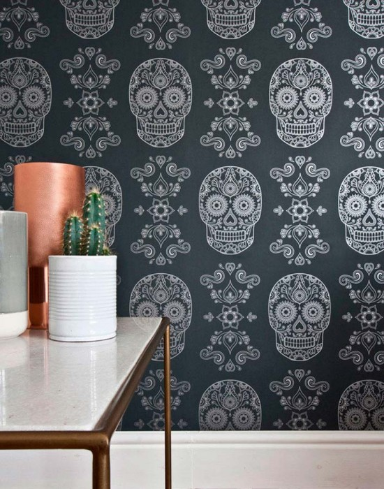 Wallpaper Dia de los Muertos Shimmering pattern Matt base surface Floral Elements Skulls Black grey Silver