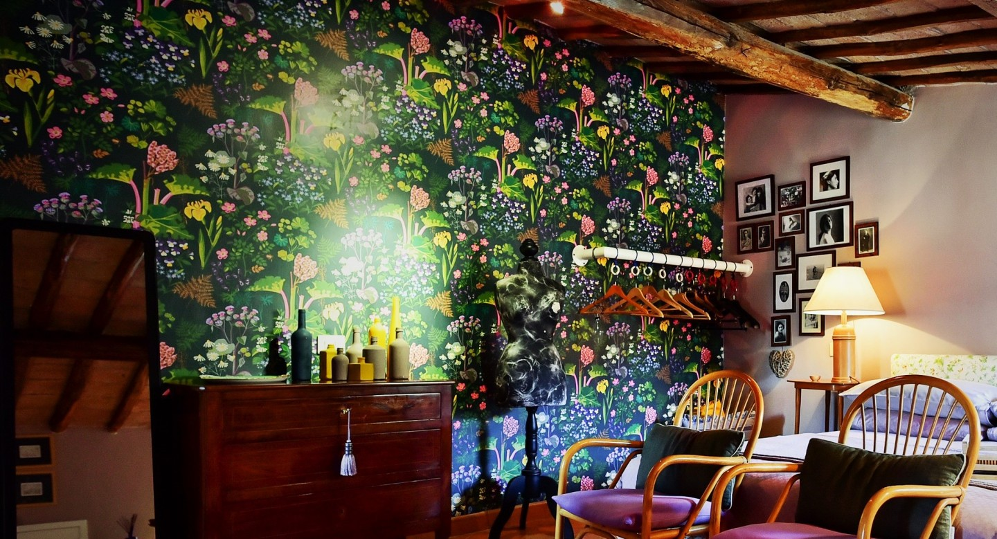 Botanical Trend: Wallpapers on a green wave