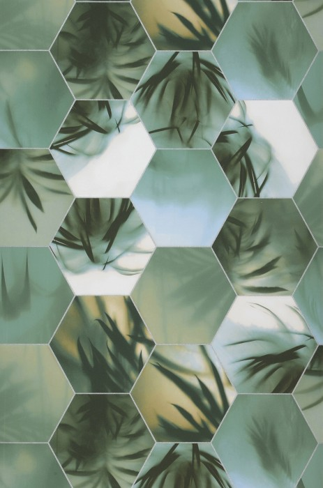 Wallpaper Ubongo Shimmering pattern Matt base surface Hexagons Palm fronds Shades of green White aluminium
