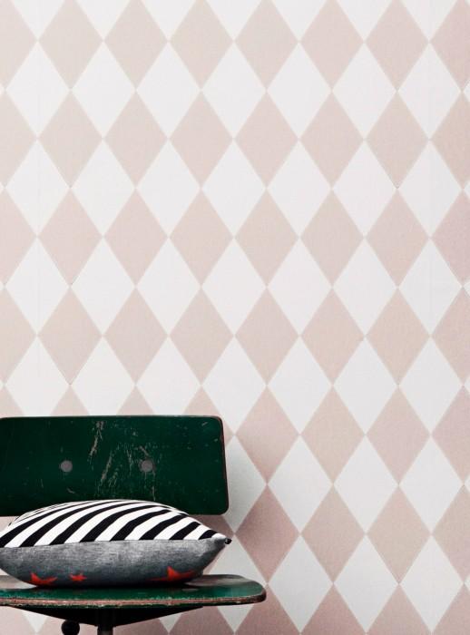 Papier peint Harlequin Aspect impression à la main Mat Losanges Blanc Bois de rose