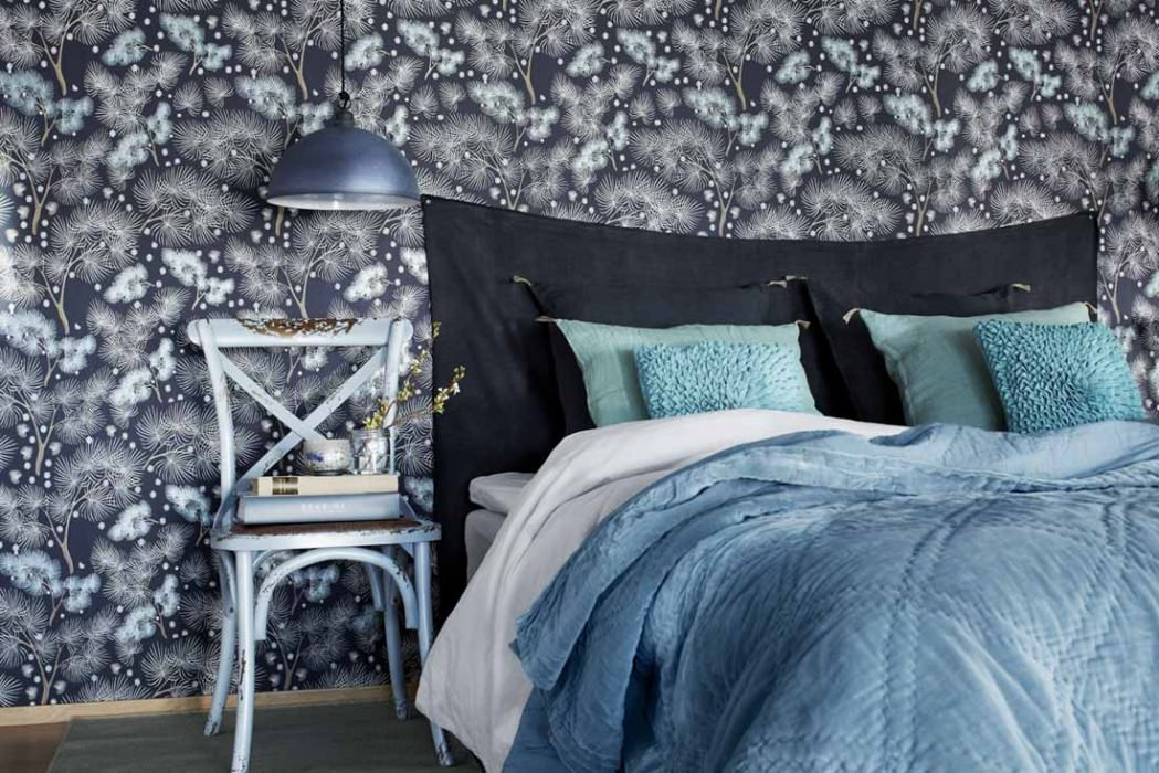 Wallpaper Tawia Matt Leaves Branches Night blue Light beige brown Pastel turquoise lustre White