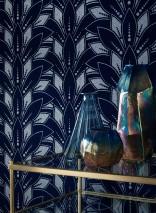 Tapete Fadila Muster matt Untergrund schimmernd Art Deco Stilisierte Blüten Azurblau Silber Schimmer Nachtblau