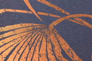 Wallpaper Lorella Shimmering pattern Matt base surface Palm fronds Blue grey Copper shimmer