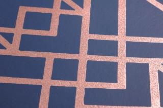 Papier peint Baya Aspect impression à la main Motif chatoyant Surface mate Art Déco Éléments graphiques Bleu foncé Rosé chatoyant