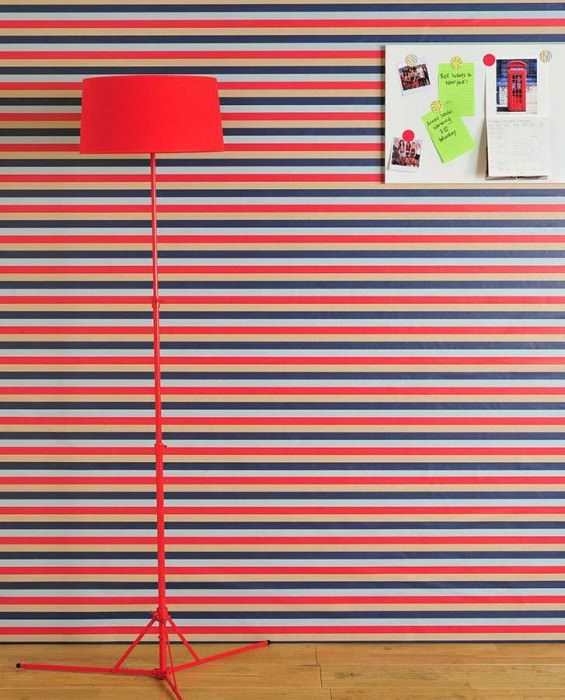 Wallpaper Kian Matt Stripes Beige Blue Strawberry red Light blue