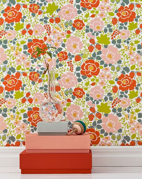 Wallpaper Morgana Hand printed look Matt Leaves Blossoms Fruits Butterflies Cream Dark green Yellow Yellow green Light pink Red orange